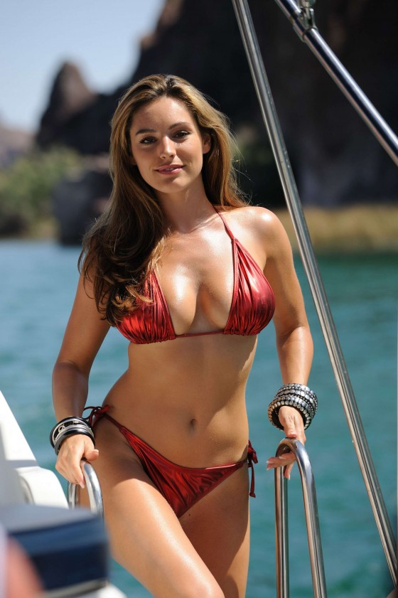 Kelly Brook Bikini Stills From Piranha 3D