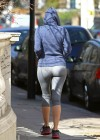 Kelly Brook in Tight Leggings-19