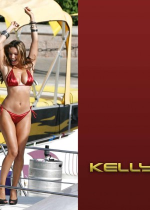 Kelly Brook Hot Bikini Wallpapers -01