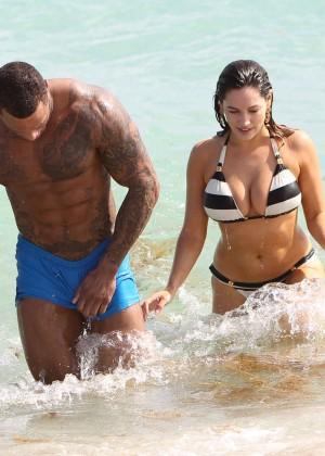 Kelly Brook Hot Bikini Photos: 2014 in Miami -01