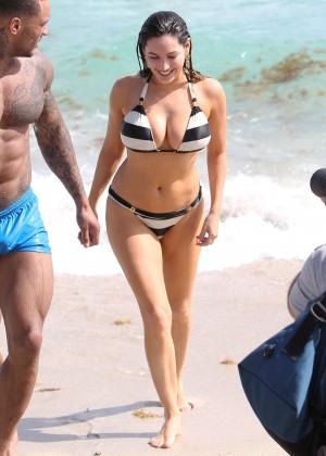 Kelly Brook Hot Bikini Photos: 2014 in Miami -09