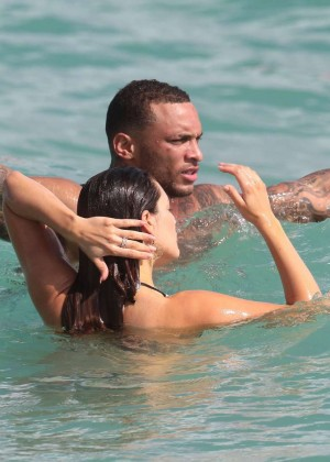 Kelly Brook Hot Bikini Photos: 2014 in Miami -16