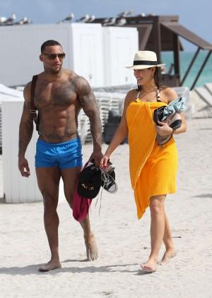 Kelly Brook Hot Bikini Photos: 2014 in Miami -26
