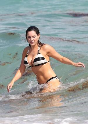 Kelly Brook Hot Bikini Photos: 2014 in Miami -29