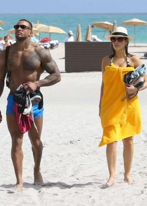 Kelly Brook Hot Bikini Photos: 2014 in Miami -42