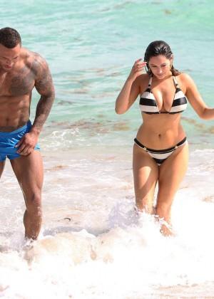 Kelly Brook Hot Bikini Photos: 2014 in Miami -52
