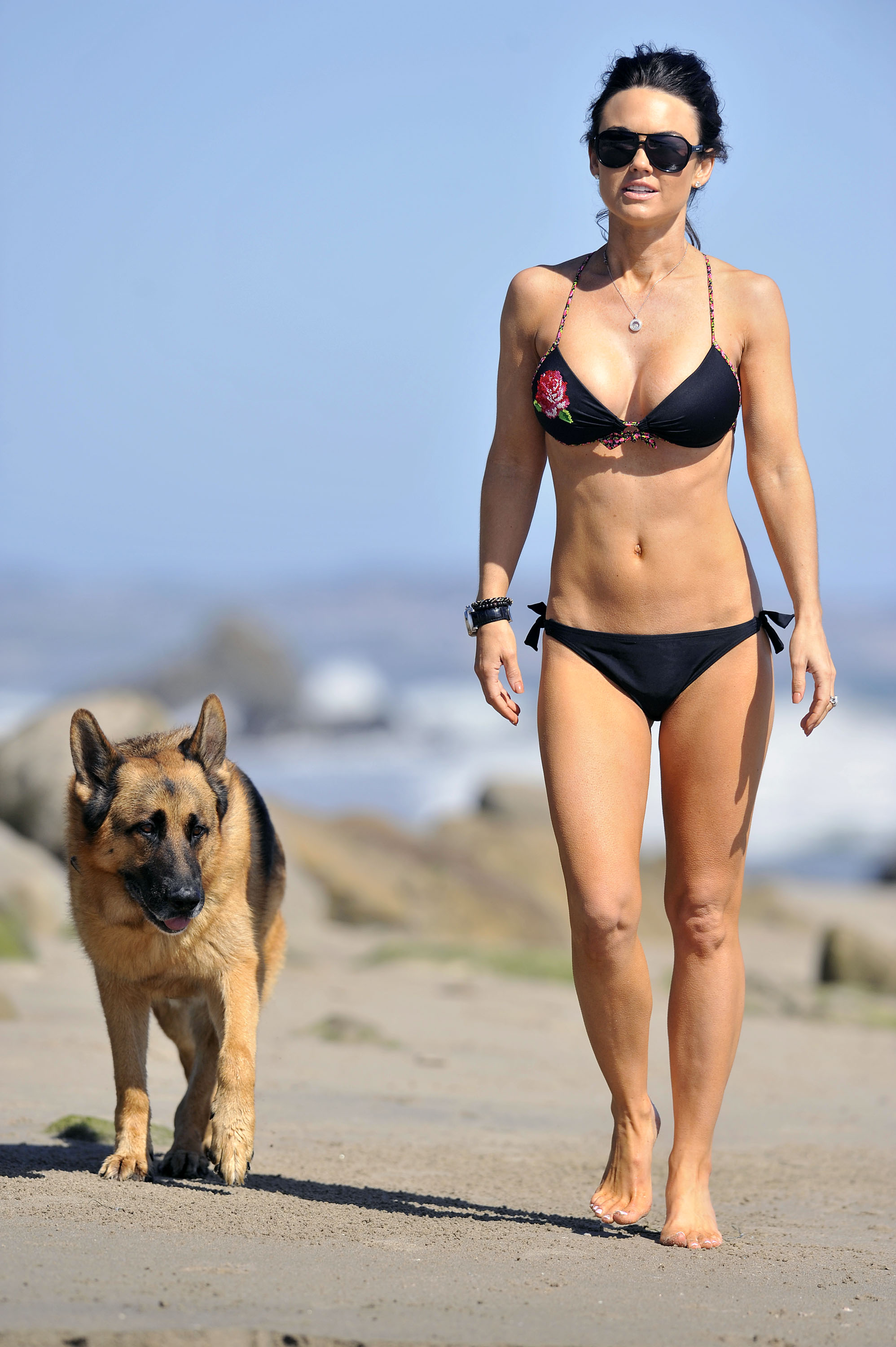 Watch Kelly Carlson video
