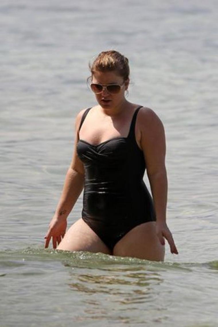 Kelly clarkson friends blue bikini — 3