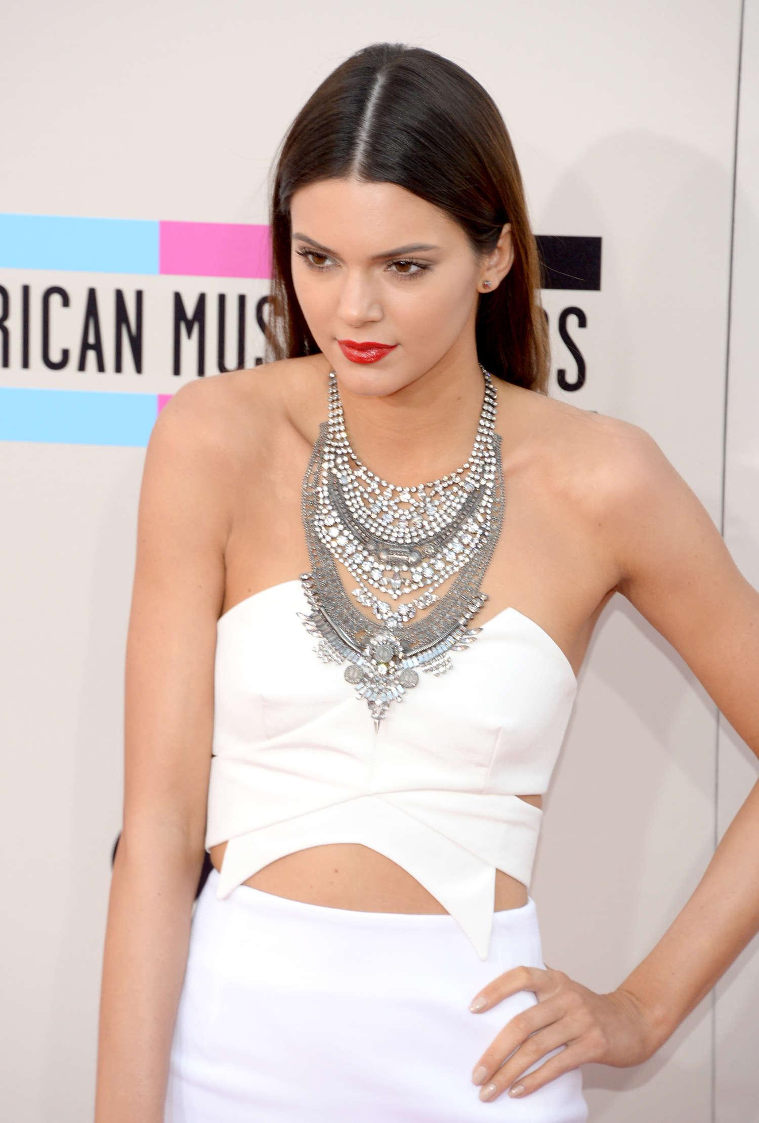 Kendall Jenner: 2013 American Music Awards -01 – GotCelebKendall Jenner 2013 Hair