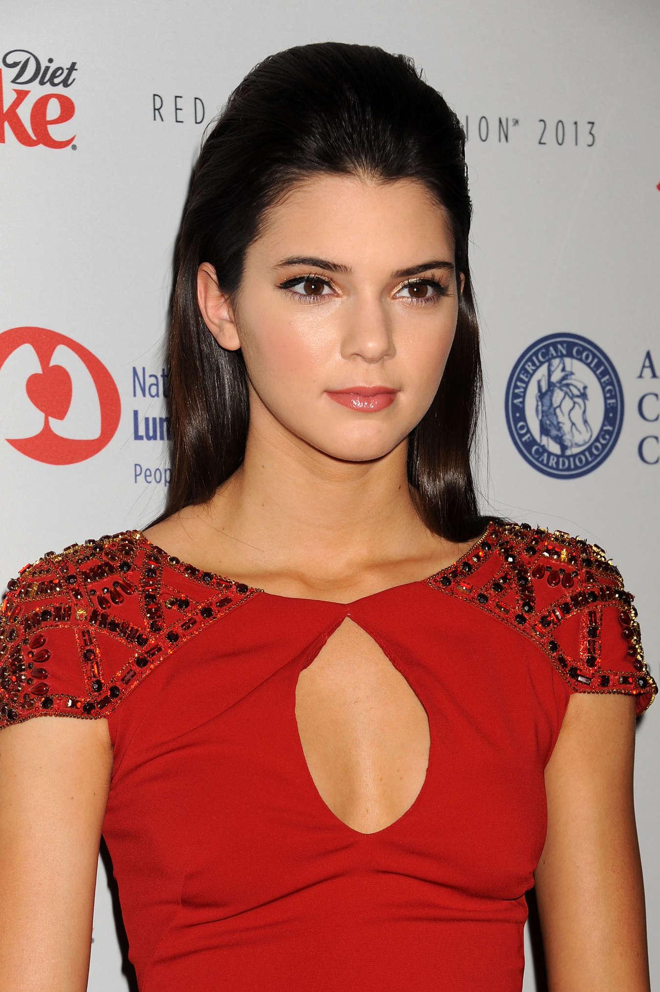 Kendall Jenner 2013 Fashion Show-02 – GotCelebKendall Jenner 2013 Hair