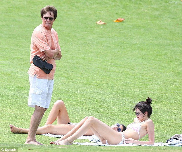 Kendall Jenner Hot Bikini Photos – Hawaii-01