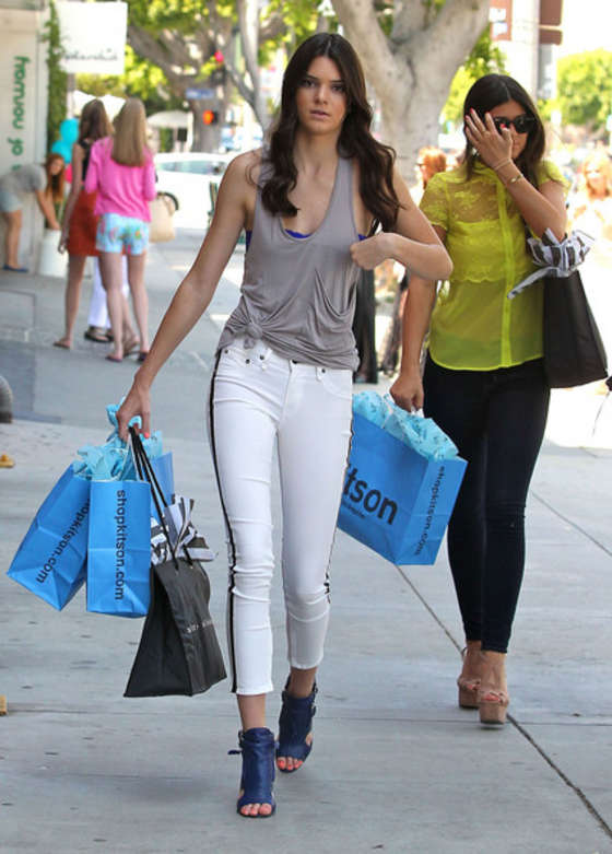 Back to post Kendall Jenner in tight white jeans in West Hollywood