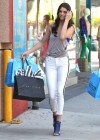 Kendall Jenner in tight white jeans-05