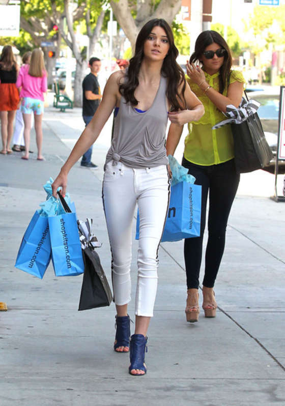 Kendall Jenner in tight white jeans-10