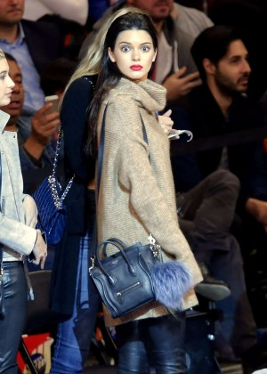Kendall Jenner with Gigi Hadid at Knicks vs Wizards Game in NY