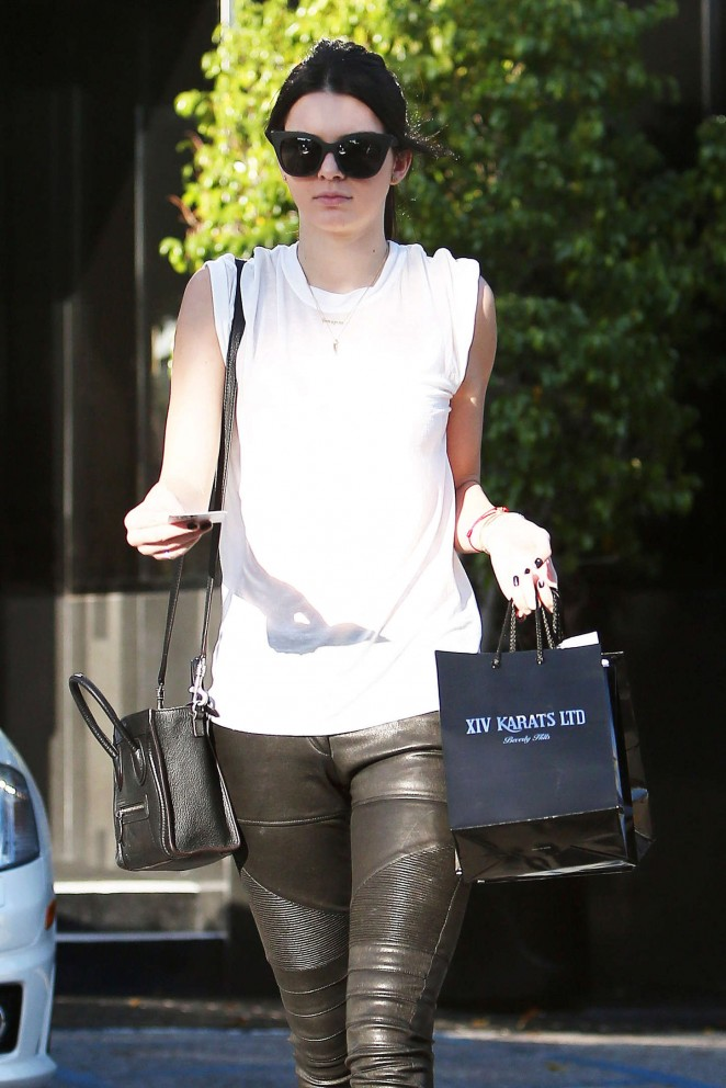 Kendall Jenner – Out and about in Beverly Hills