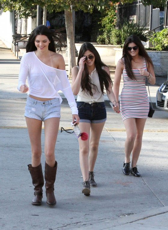 Kendall Jenner – Out with Friends in Hollywood-15