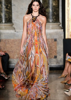 Kendall Jenner - Pucci Show in Milan