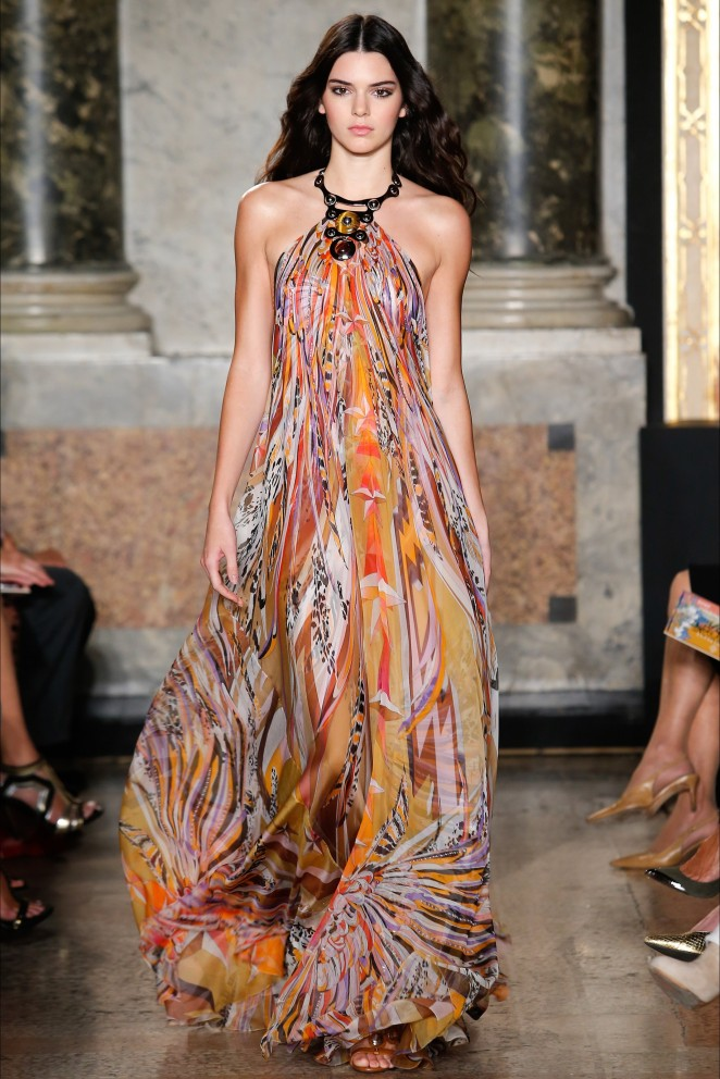 Kendall Jenner – Pucci Show in Milan