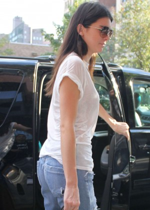 Kendall Jenner in Jeans Out in New York City