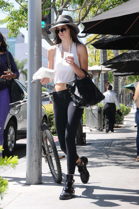Kendall Jenner 2013 : Kendall Jenner – Visiting a salon in Hollywood -03