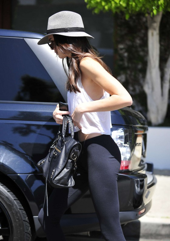 Kendall Jenner 2013 : Kendall Jenner – Visiting a salon in Hollywood -13