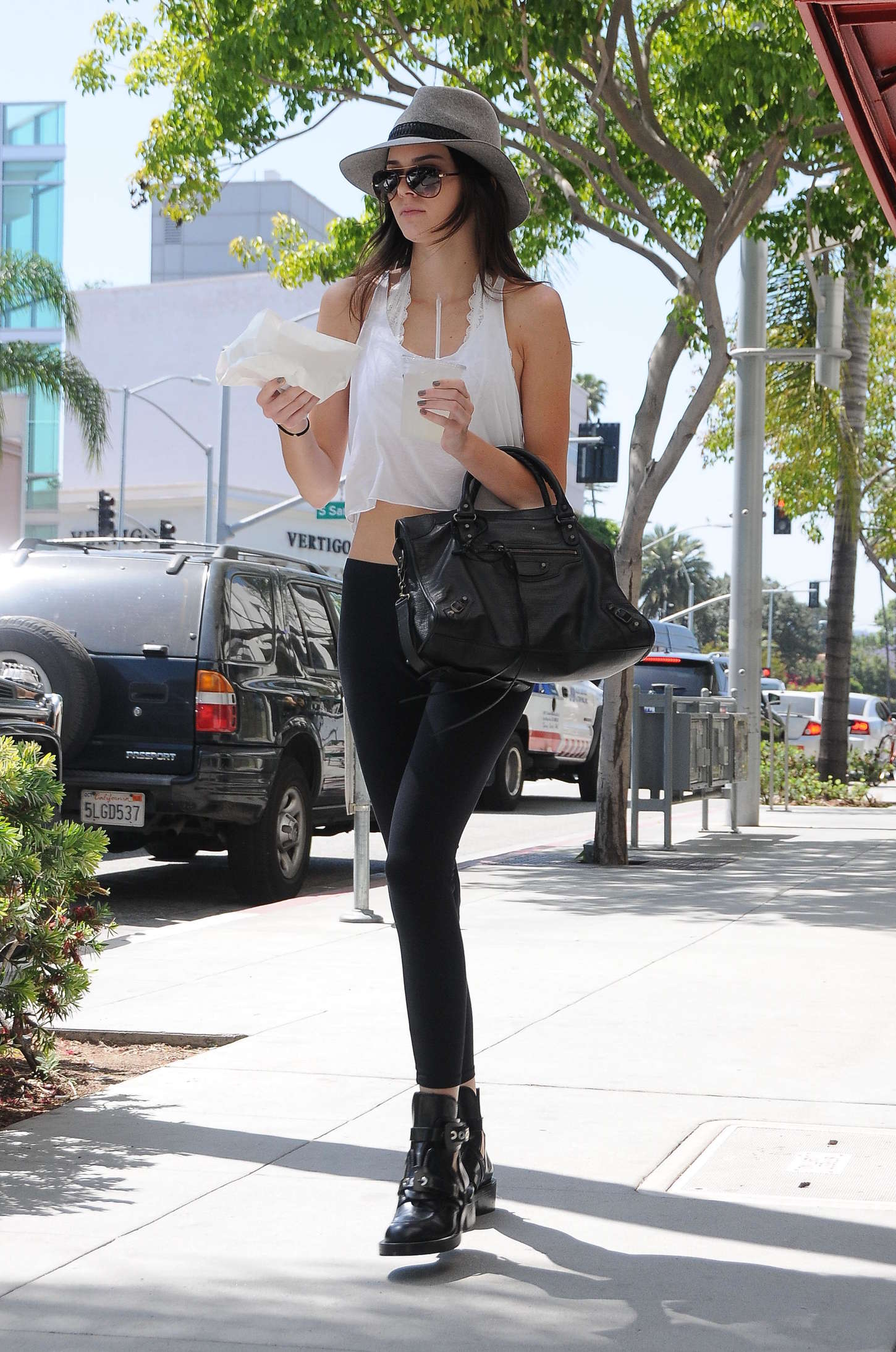 Kendall Jenner 2013 : Kendall Jenner – Visiting a salon in Hollywood -16