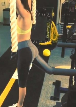 Kendall Jenner in Leggings Working Out in the gym