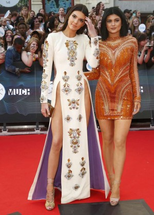 Kendall Jenner - 2014 MuchMusic Video Awards-02