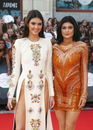 Kendall Jenner - 2014 MuchMusic Video Awards-03