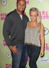 Kendra Wilkinson at Mad Hatter Ball-01