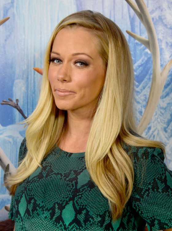 Kendra Wilkinson: Frozen Hollywood Premiere -02