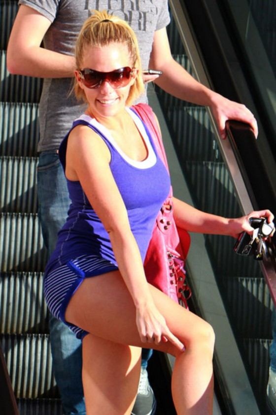 kendra-wilkinson-leggy-candids-at-dancing-with-the-stars-16