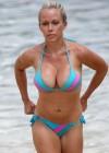 Kendra Wilkinson in bikini in Hawaii-02