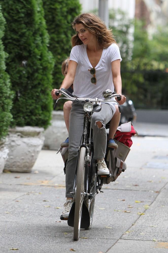 Keri Russell – Riding a Bike -03
