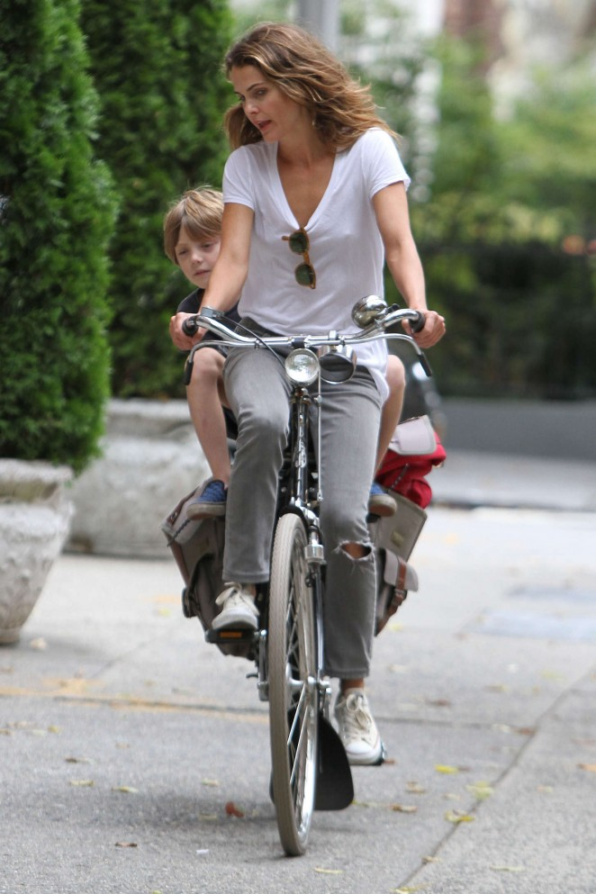 Keri Russell – Riding a Bike -18