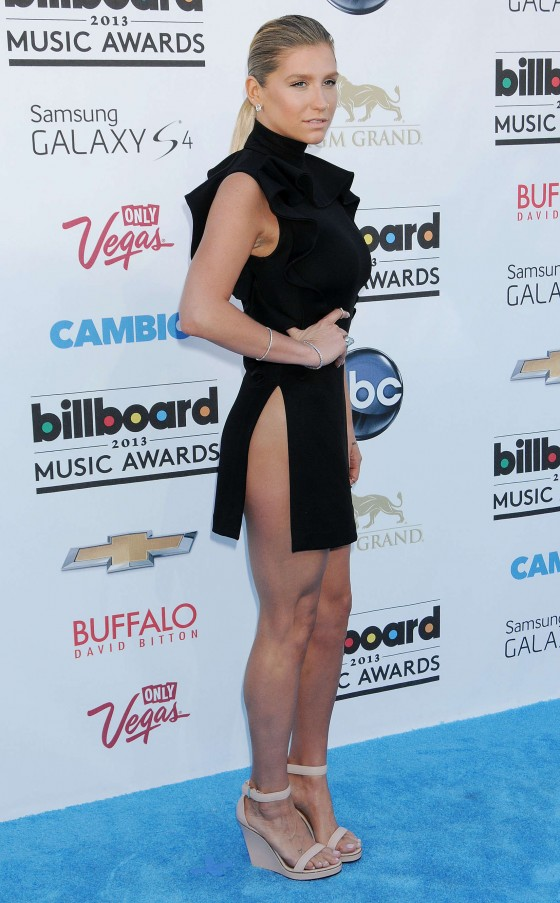 Kesha at the Billboard Music Awards in Las Vegas -04