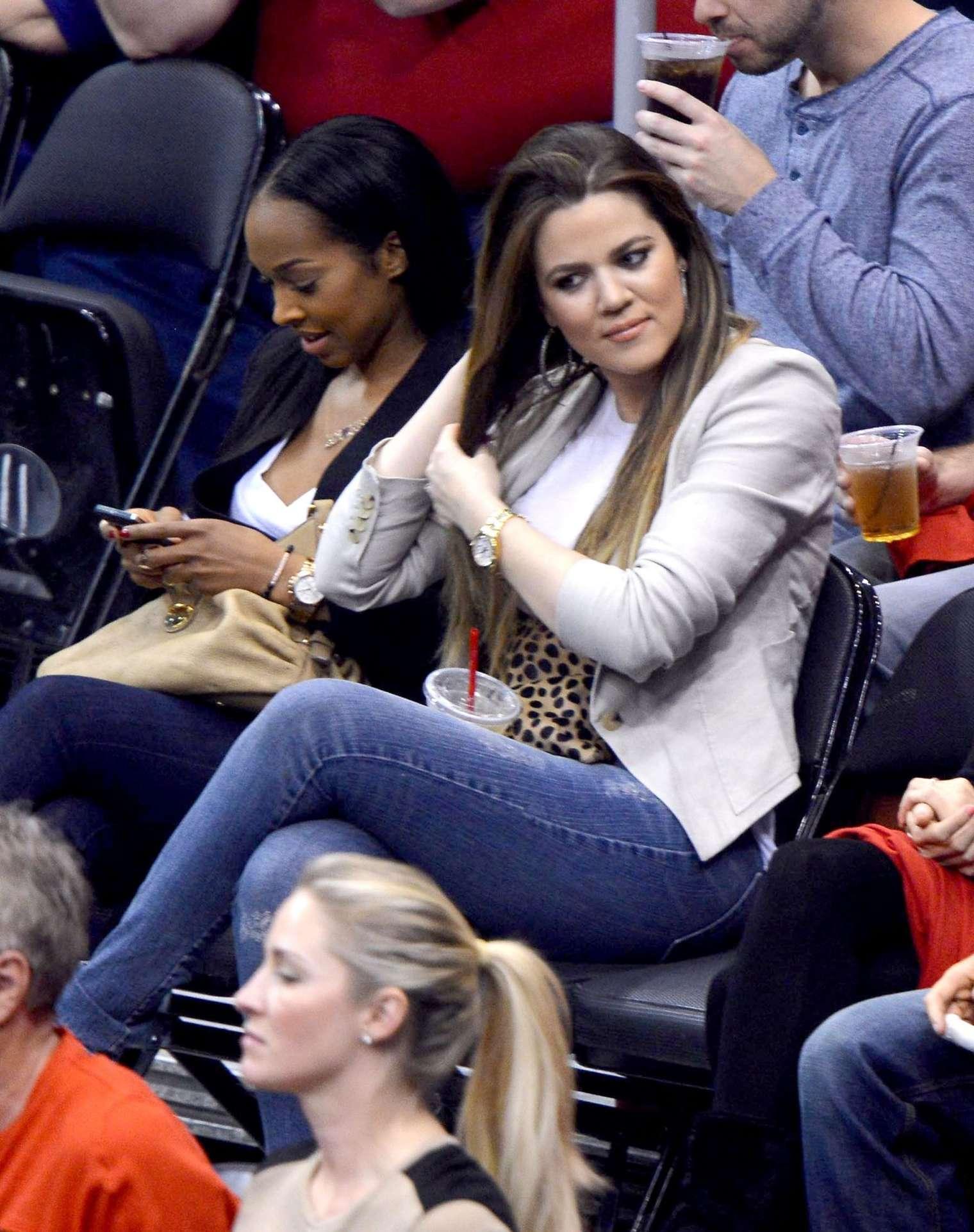 Khloe Kardashian 2013 : Khloe Kardashian at the LA Clippers game -01