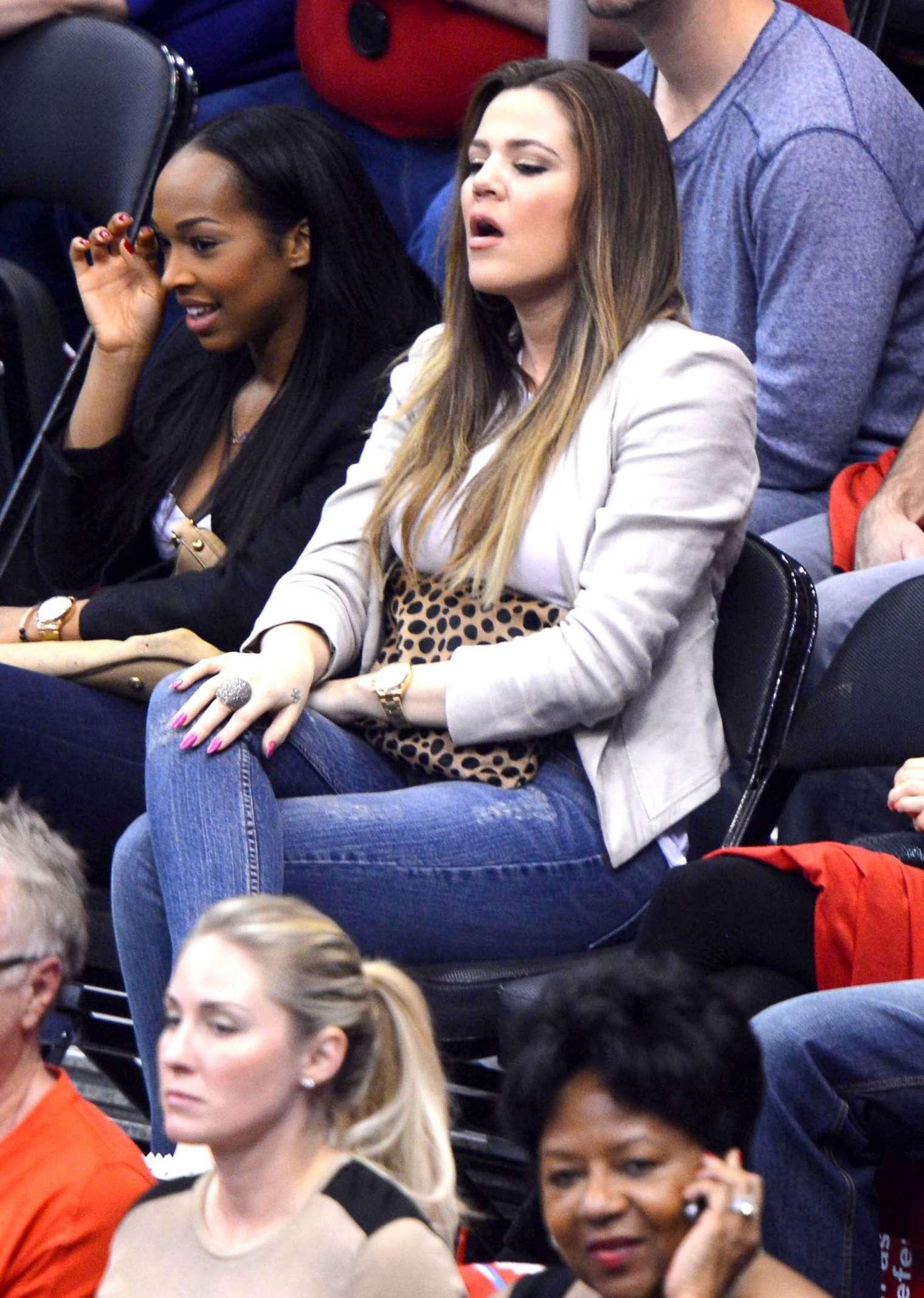 Khloe Kardashian 2013 : Khloe Kardashian at the LA Clippers game -10
