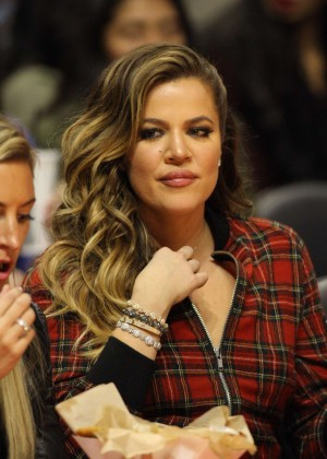 Khloe Kardashian - Detroit Pistons Vs Los Angeles Clippers Game In Los Angeles