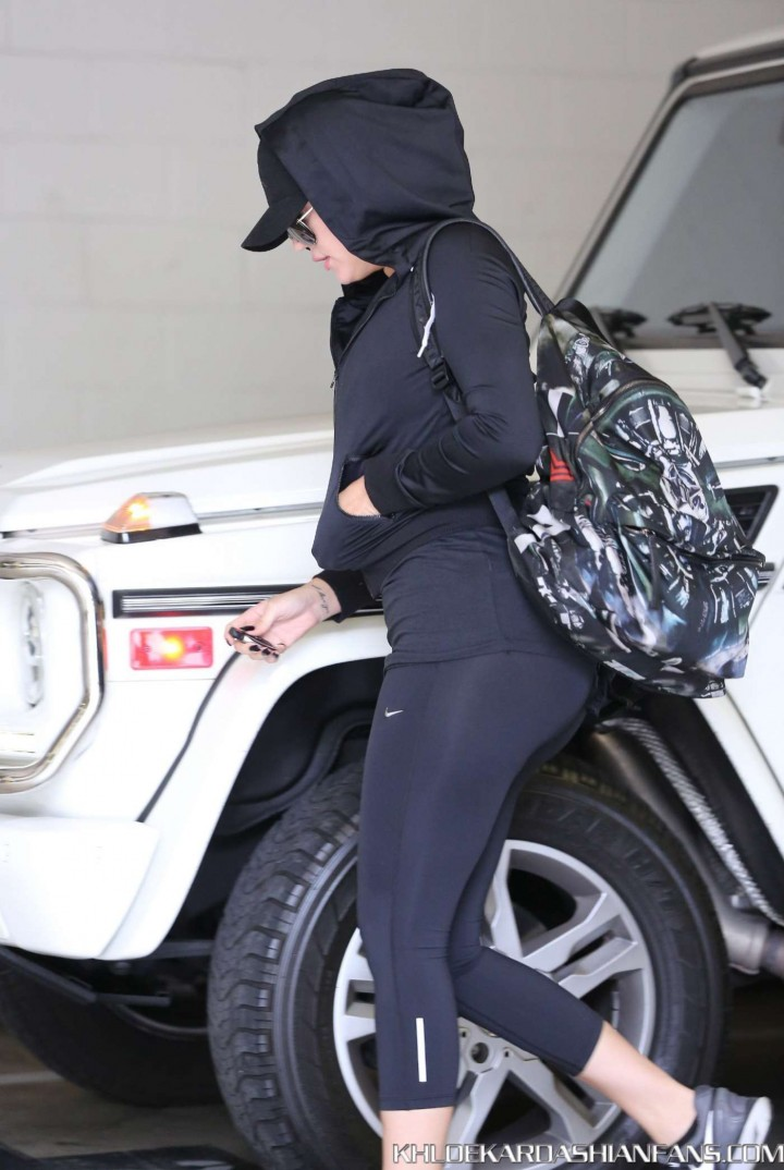 Khloe Kardashian in Tights Going to the gym in LA