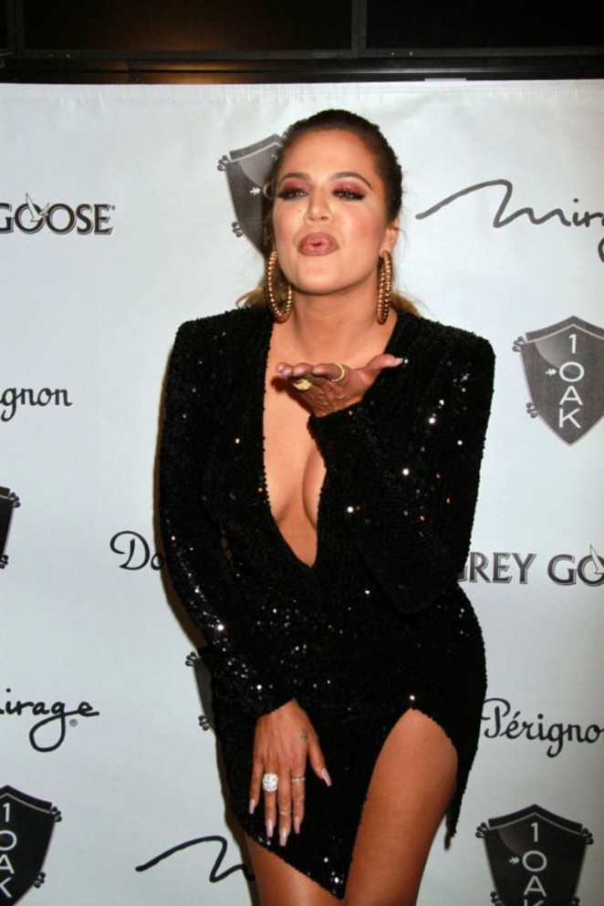 Khloe Kardashian in Tight Dress Hosts at 1 OAK Nightclub in Las Vegas