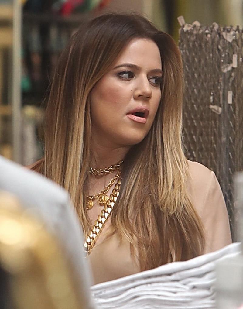 Khloe Kardashian 2013 : Khloe Kardashian shopping candids at Kitson in Beverly Hills -01