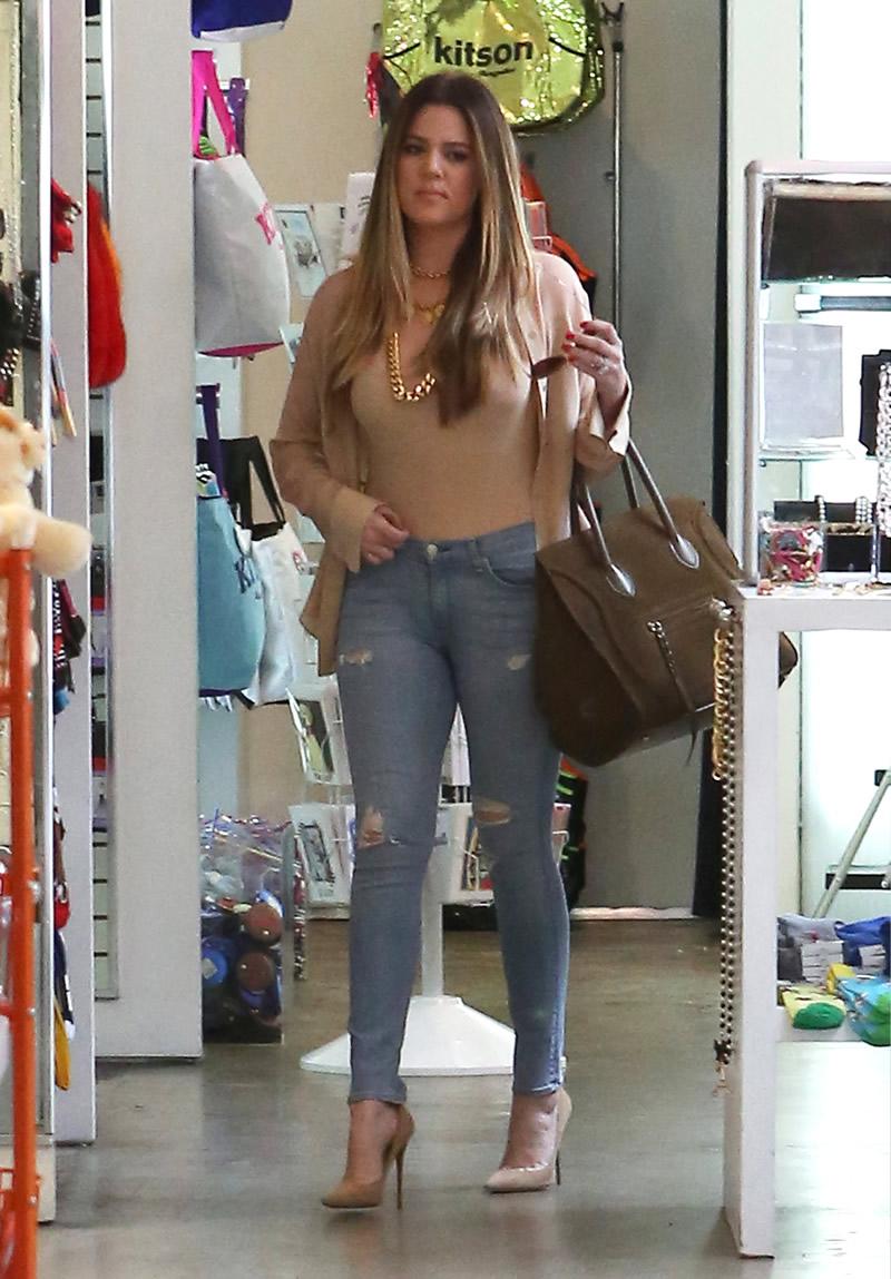 Khloe Kardashian 2013 : Khloe Kardashian shopping candids at Kitson in Beverly Hills -05
