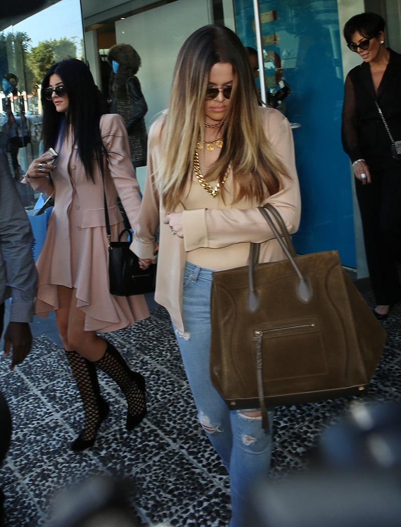 Khloe Kardashian 2013 : Khloe Kardashian shopping candids at Kitson in Beverly Hills -06