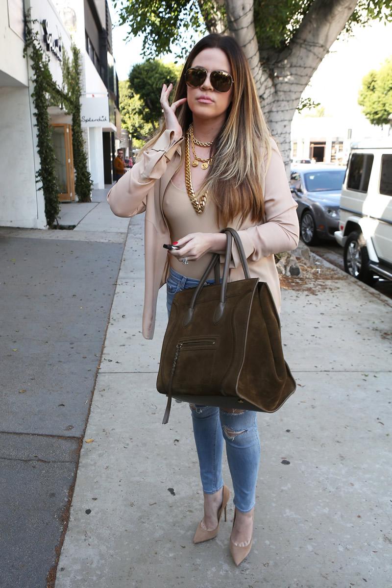 Khloe Kardashian 2013 : Khloe Kardashian shopping candids at Kitson in Beverly Hills -10
