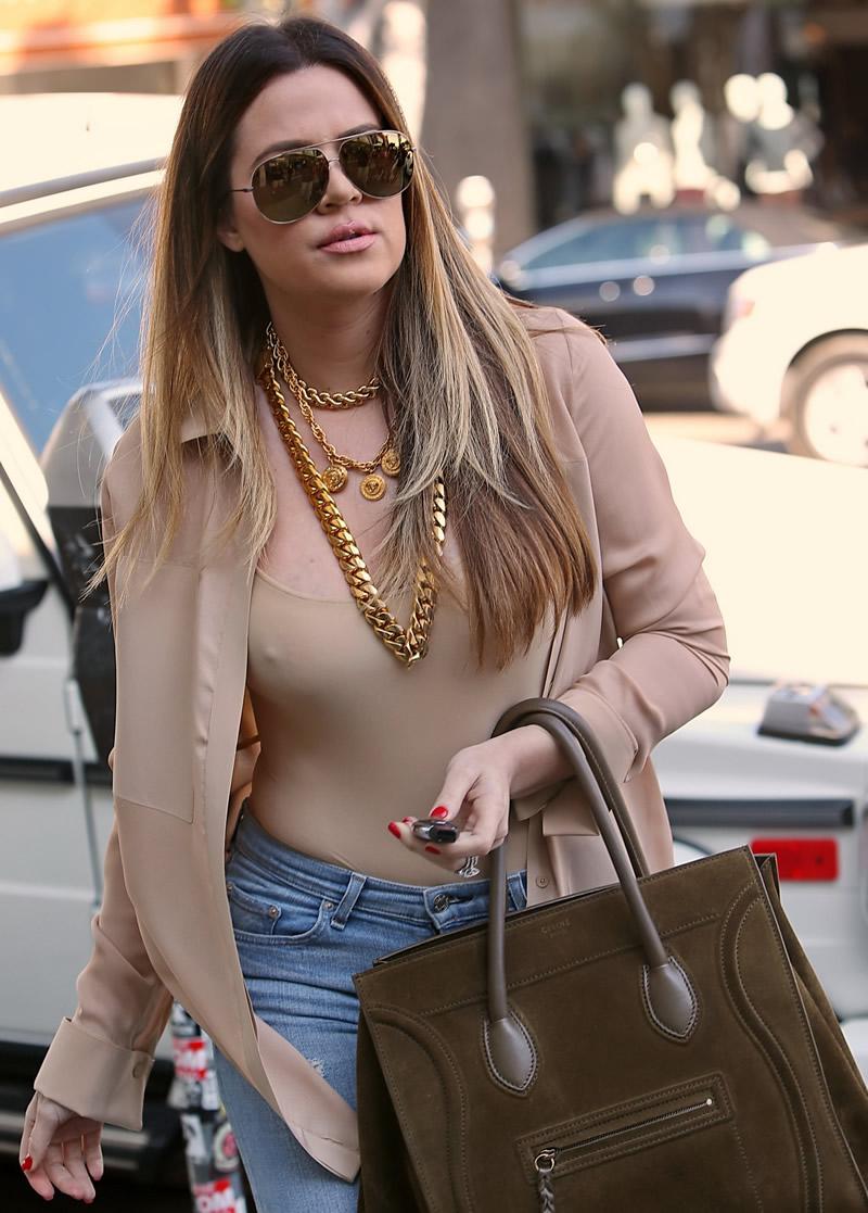 Khloe Kardashian 2013 : Khloe Kardashian shopping candids at Kitson in Beverly Hills -19