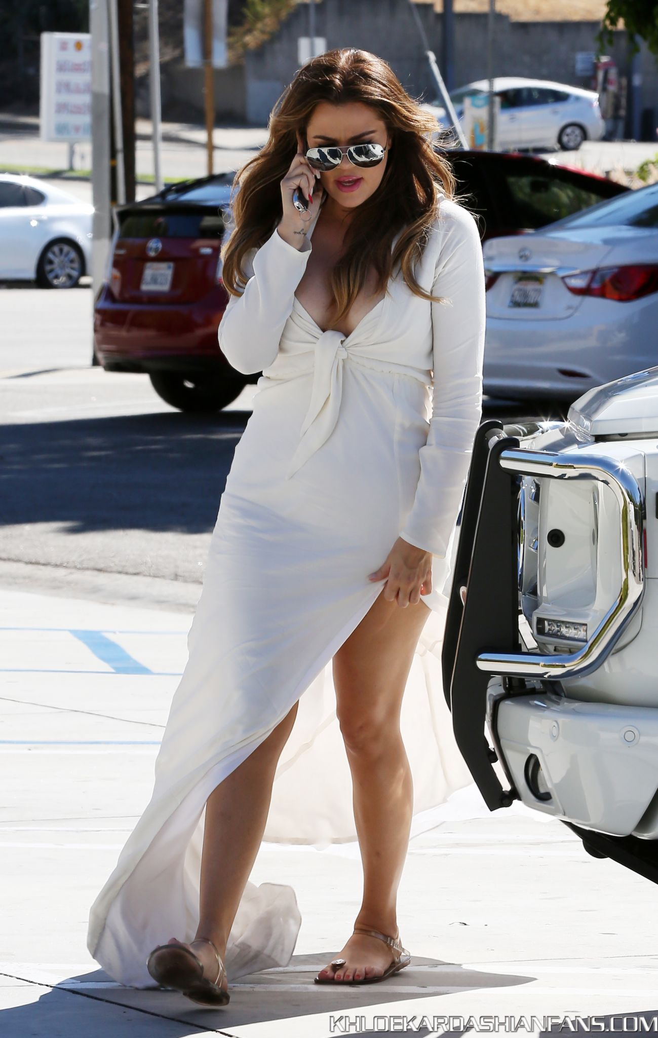 Khloe Kardashian 2014 : Khloe Kardashian in White Dress -04