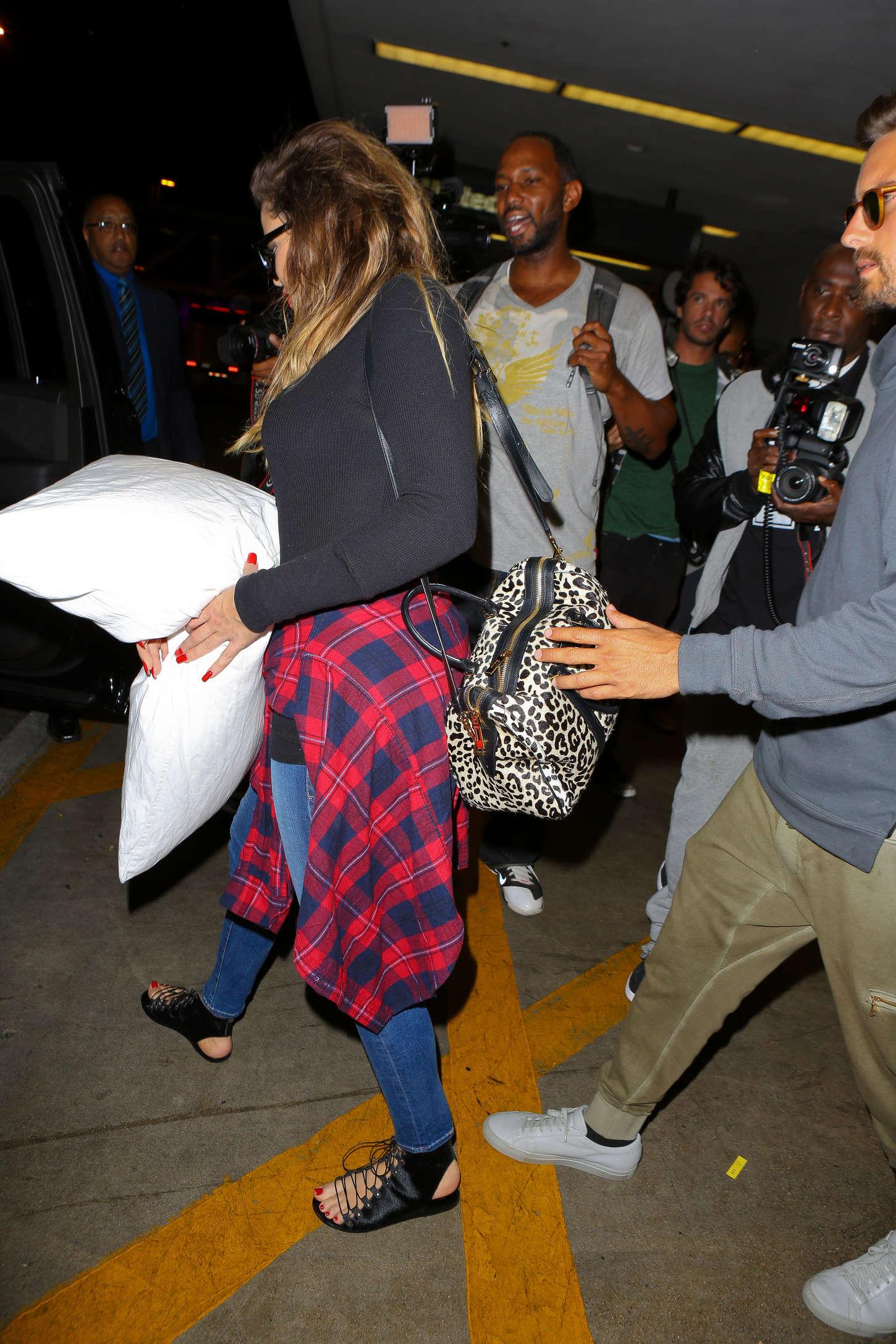Khloe Kardashian 2014 : Khloe Kardashian with Scott Disick at LAX airport -09