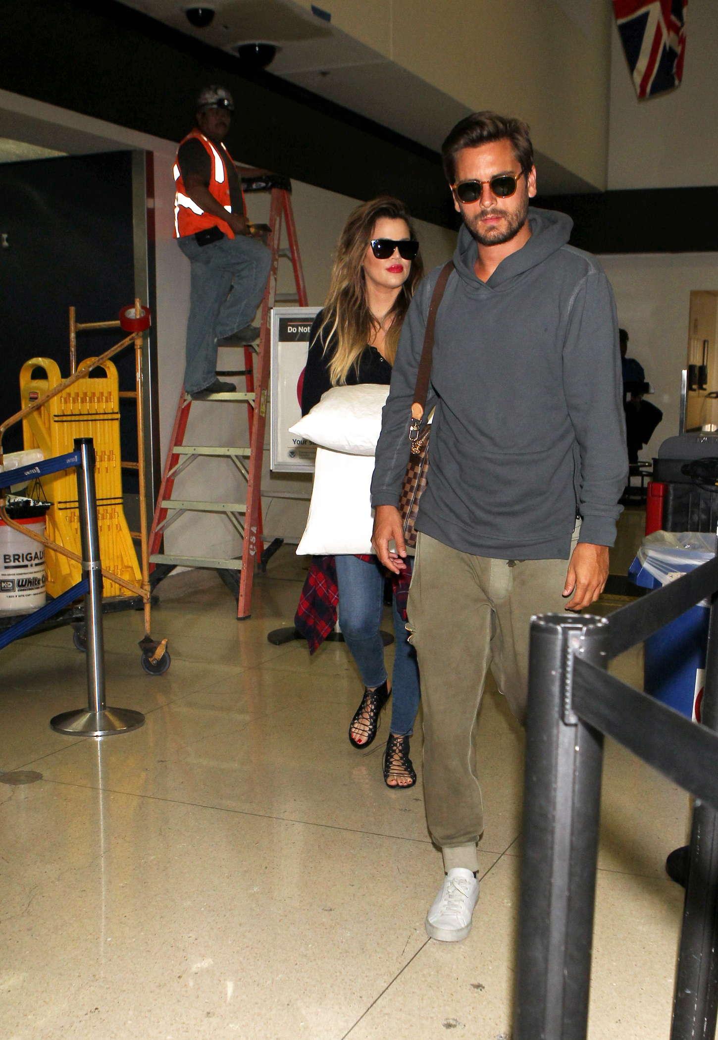 Khloe Kardashian 2014 : Khloe Kardashian with Scott Disick at LAX airport -11
